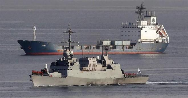 Israel afirma que o navio carregava dezenas de foguetes M-302, originalmente fabricados na síria e enviados pelo Irã à Faixa de Gaza | EFE/EPA/ABIR SULTAN