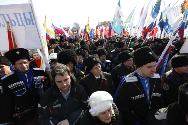 Manifestação em Stavropol, a favor da população da Crimeia que deseja romper com a Ucrânia para se aproximar da Rússia | Eduard Korniyenko/Reuters