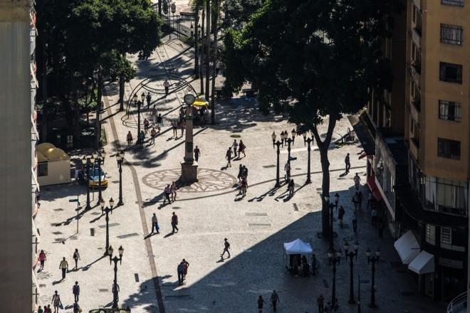 Calçadão da XV: pista exclusiva para pedestres foi copiada em todo o mundo | Brunno Covello/ Gazeta do Povo