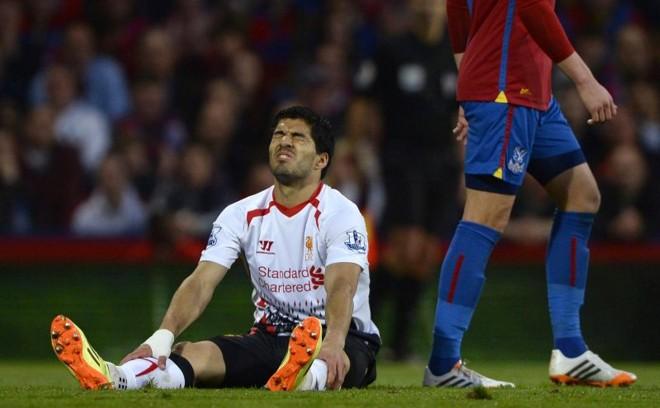 Luis Suárez chorou em campo após tropeço do Liverpool | Reuters