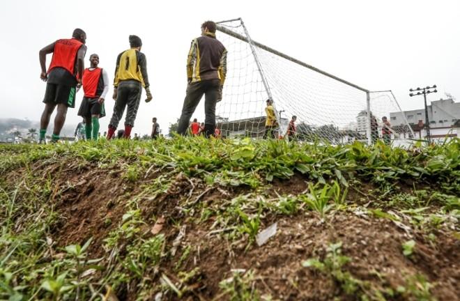 Imagens do treino do Teresópolis FC: clube joga a Série C do Carioca e sonha com a Segundona no ano do centenário | Hugo Harada, enviado especial/Gazeta do Povo