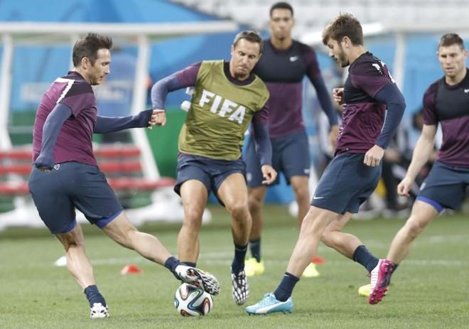 Inglaterra treina em São Paulo para partida desta quinta-feira (19) contra Uruguai | EFE