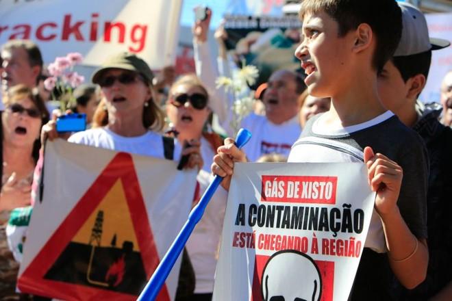 Moradores de Toledo protestaram e manifestaram preocupação com danos ambientais | César Machado/Vale Press