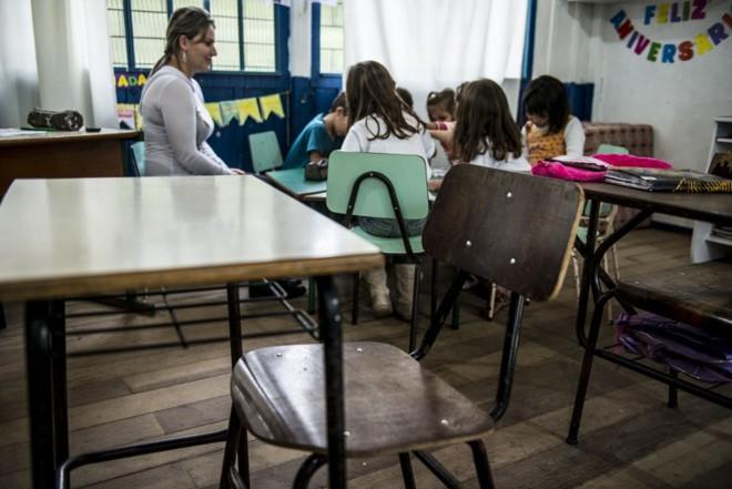 Escola Athanagildo de Souza Laio, em Cerro Azul. Município tem maior porcentual de crianças fora da escola no estado   Henry Milleo/ Gazeta do Povo