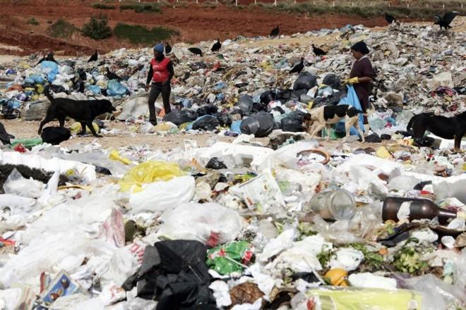 No Paraná, 65 cidades disseram que ainda utilizam os lixões   Henry Milléo/Gazeta doPovo