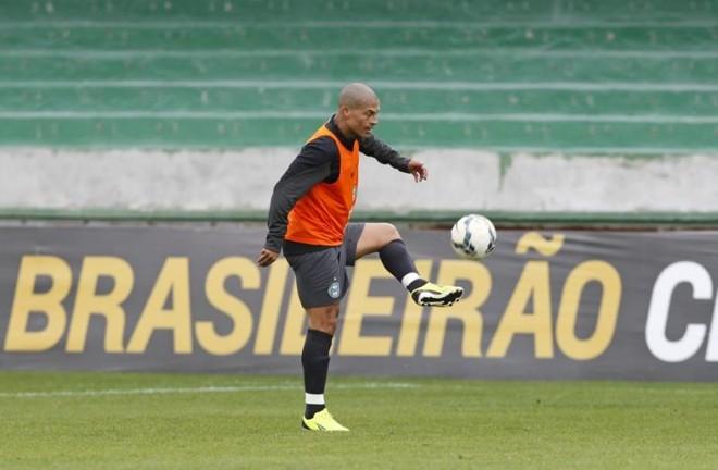 Alex deve ser poupado na partida contra o Paysandu | Antônio More / Gazeta do Povo