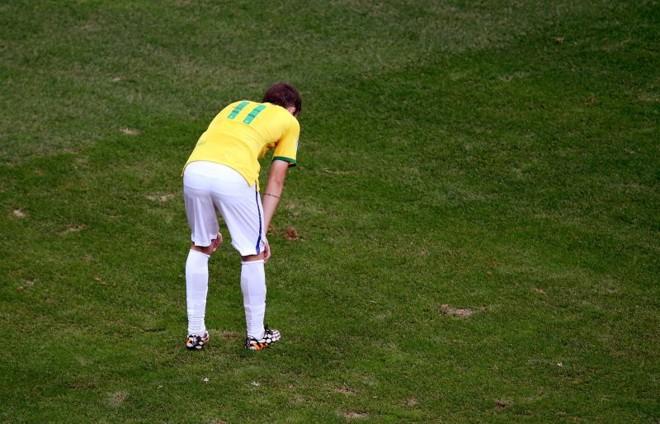 Autor do único gol do Brasil contra a Alemanha, meia Oscar esboça um lado otimista | Reuters
