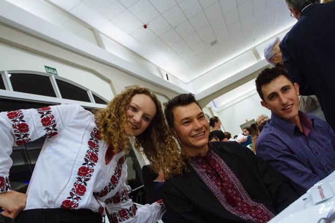 Oksana, Alessandro e Juliano estudaram na Ucrânia |