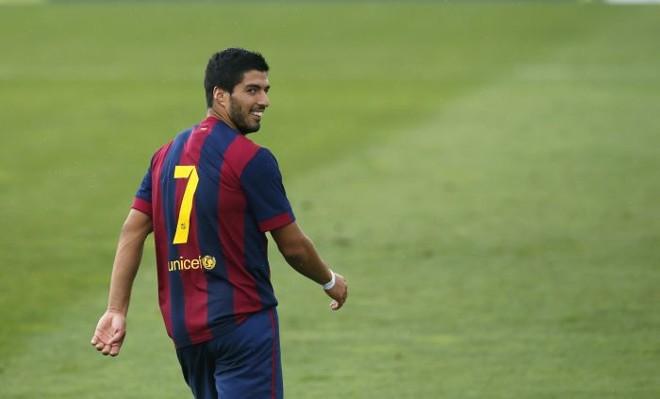 Suárez marcou dois gols no amistoso do Barça B diante da seleção sub-19 da Indonésia: atacante está de volta à seleção do Uruguai | Reuters