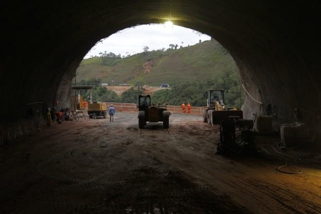 Ao todo, a BR-116 terá quatro túneis novos. Um total de 1.684 metros | Antônio More/Gazeta do Povo