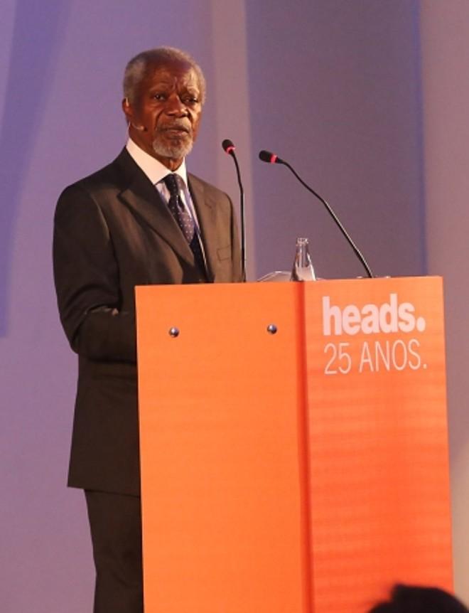 O ex-secretário-geral da ONU, Kofi Annan, durante seu aplaudido discurso na cerimônia de comemoração dos 25 anos da agência Heads Propaganda no Copacabana Palace | Murillo Tinoco/Divulgação