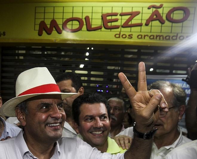 Candidato à Presidência da República Aécio Neves no Mercado Madureira, no Rio de Janeiro | EFE/ Antonio Lacerda