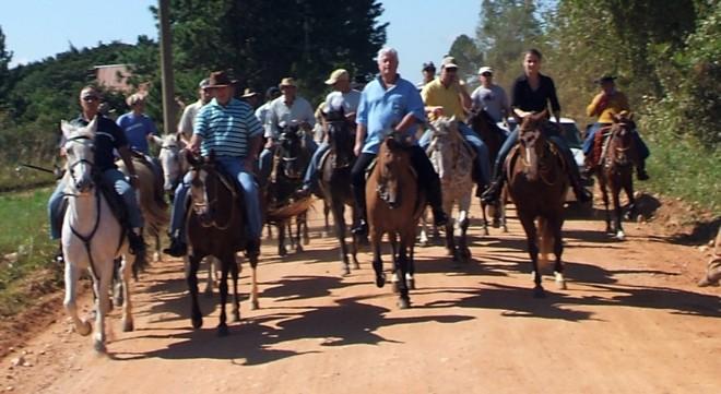 Requião em cavalgada: até R$5 milhões podem ter sido gastos para tratar os cavalos | Divulgação