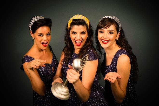 O trio vocal Cluster Sisters: repertório do grupo traz o swing jazz dos anos 1930 e 40, vertente que explora o arranjo de vozes, geralmente femininas | Luiz Rodrigues/Divulgação