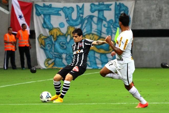 Botafogo vence o Corinthians na Arena Amazônia, em Manaus | Edmar Barros / Futurapress / Folhapress