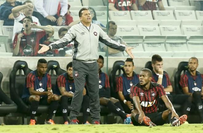 Para Claudinei Oliveira, CBF deveria ter escolhido um árbitro mais tarimbado para o jogo com o Santos | Hugo Harada / Gazeta do Povo