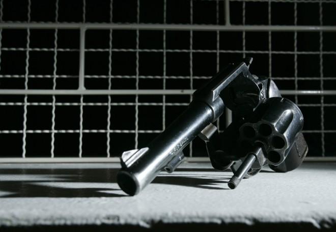 Enquanto os órgãos de segurança pública assistem a uma forte desmobilização da campanha, os registros de novas armas para civis saltou de 3 mil, em 2004, para 18 mil, em 2012 | Josué Teixeira/Agência de Notícias Gazeta do Povo/Arquivo