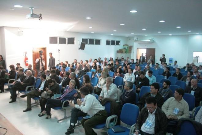 O primeiro encontro ocorreu mês passado em Curitiba e reuniu cerca de 170 pessoas   Divulgação.