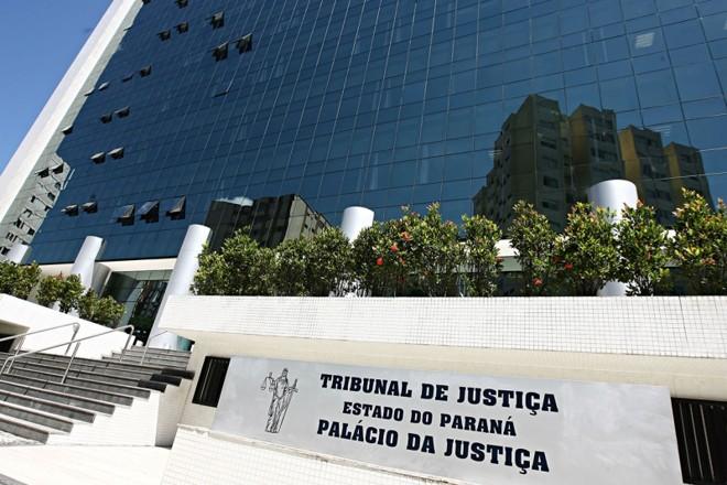 Fachada do Tribunal de Justiça: auxílio-moradia começou a ser pago aos magistrados em junho | Felipe Rosa/ Gazeta do Povo