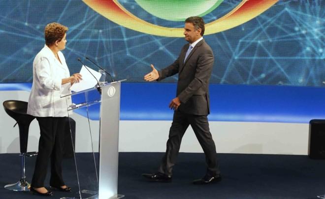 Dilma e Aécio receberam doações de empresas da Lava Jato   Paulo Whitaker/Reuters