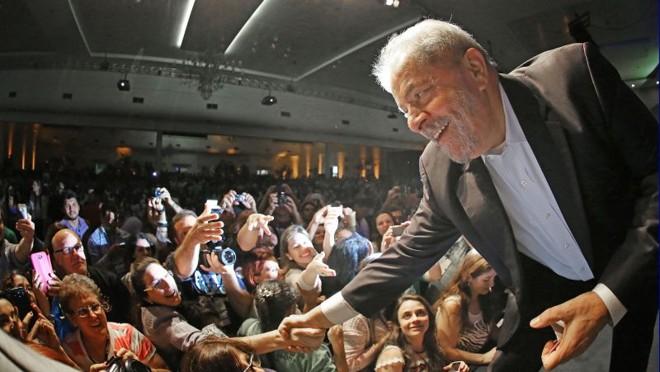 Na manhã dessa quinta-feira (20) o ex-presidente Lula participou do evento Cultivando Água Boa, em Foz do Iguaçu   Ricardo Stuckert / Instituto Lula