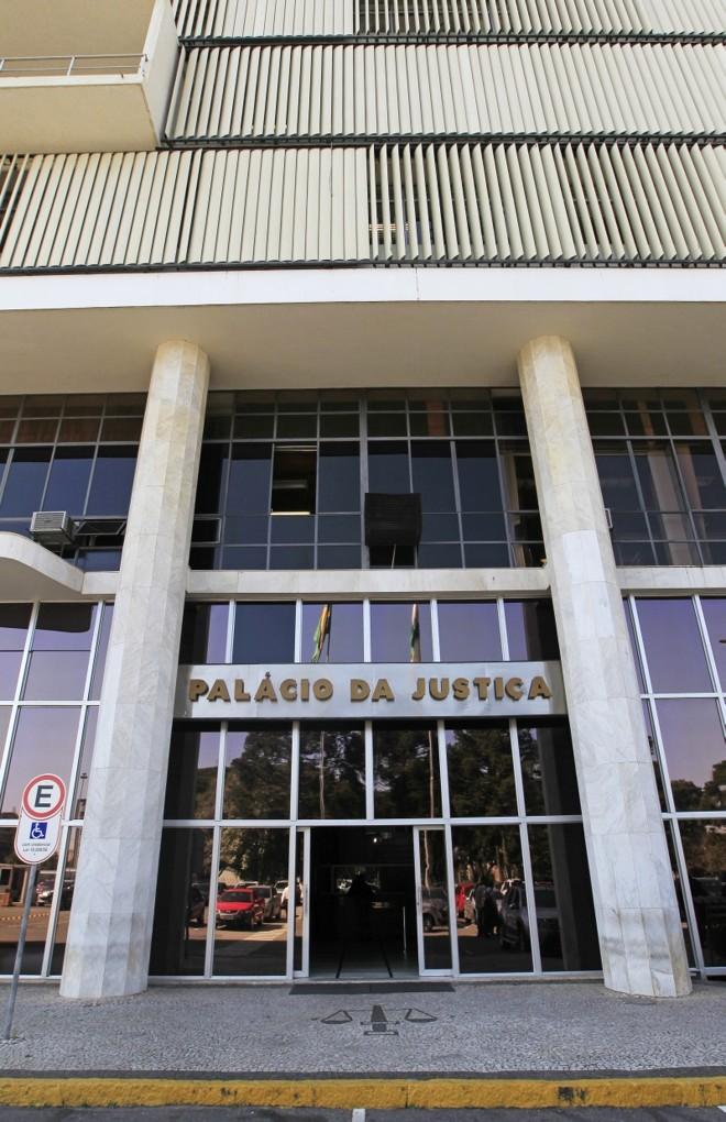Sede do TJ: projetos enviados numa semana e votados na outra   Antônio More / Agência de Notícias Gazeta do Povo