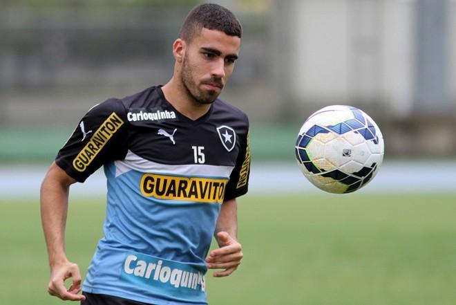 Gabriel foi destaque no Botafogo mesmo com o time sendo rebaixado para a Segunda Divisão do Campeonato Brasileiro | Vitor Silva / SSPress