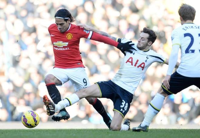 Manchester United, de Falcao Garcia, ficou no 0 a 0 com o Tottenham | EFE