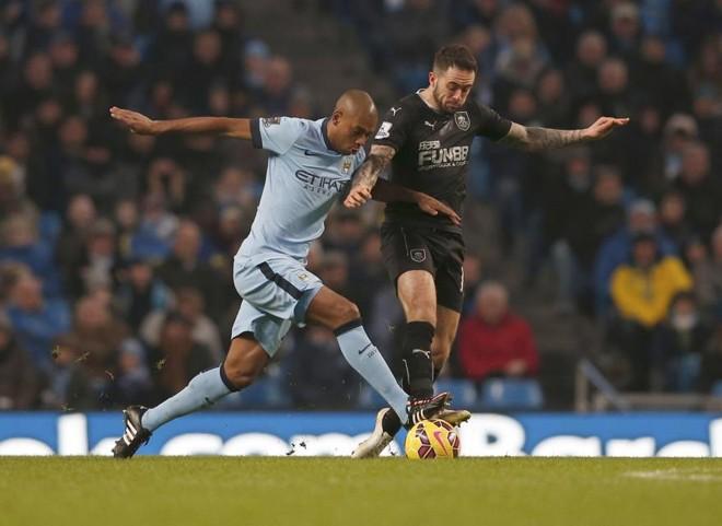Fernandinho marcou, mas o City não passou de um empate com o Burnley | EFE