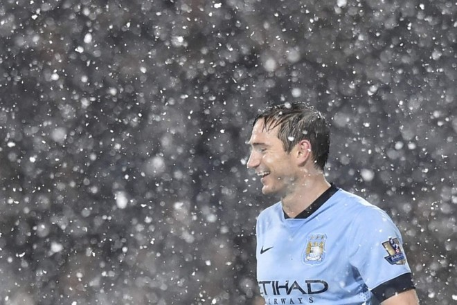 Frank Lampard durante vitória do Manchester City sobre o West Bromwich | Toby Melville / Reuters