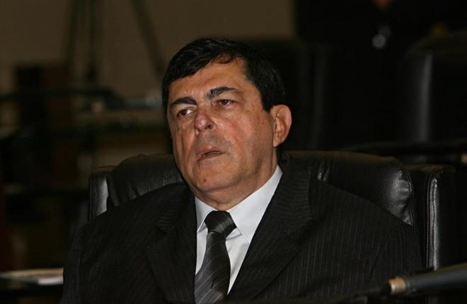 Antonio Belinati foi cassado em junho de 2000 do cargo de prefeito de Londrina.   Albari Rosa/Gazeta do Povo