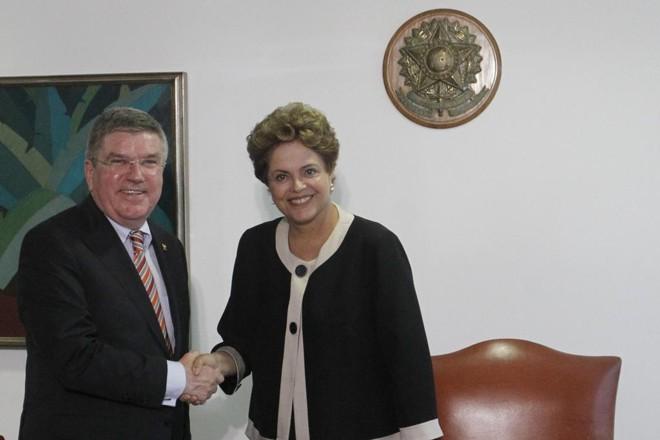 Presidente do COI, Thomas Bach, conversou com a presidente Dilma Rousseff sobre a organização da Olimpíada | Fernando Bizerra Jr./EFE