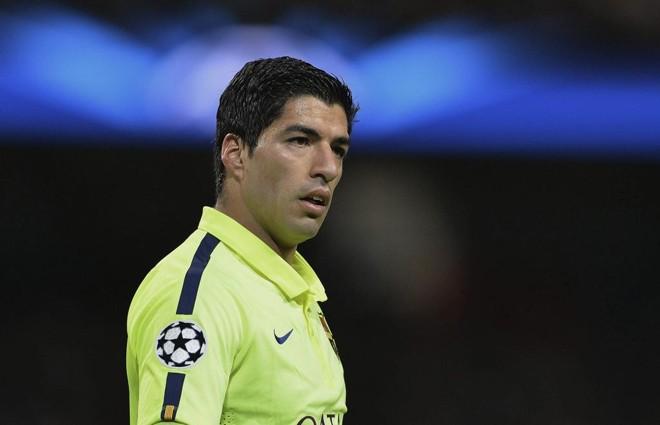 Mídia inglesa  acusou Suárez de mais uma vez morder o oponente | Peter Powell/EFE