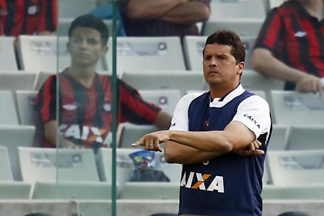 Técnico Claudinei Oliveira aproveitou a pré-temporada na Espanha para identificar setores mais carentes. | Albari Rosa/Gazeta do Povo