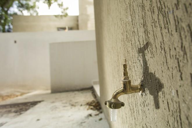 Encontrar água com qualidade e em abundância está cada vez mais difícil. | Marcelo Andrade/Gazeta do Povo