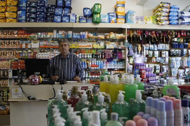 Manutenção do ICMS dos remédios poupa o bolso do consumidor, diz Edenir Zandoná, do Sindifarma. | Jonathan Campos/Gazeta do Povo