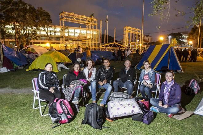 Os professores vão acampar na praça Nossa Senhora do Salette, no Centro Cívico |