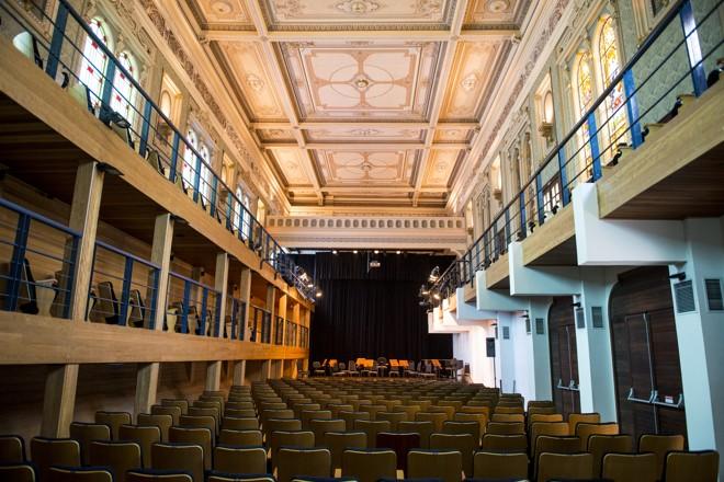 Capela Santa Maria recebe espetáculo multimídia que remonta apresentação de música antiga. | Henry Milleo/Gazeta do Povo