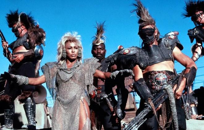 """Além da Cúpula do Trovão"""" tem senso de humor e Tina Turner"""