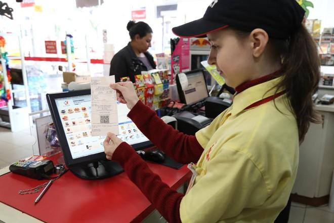 No Posto Sorriso, no Bigorrilho, a emissão da NFC-e começou antes do dia 1º de julho, prazo exigido por lei, | Ivonaldo Alexandre/Gazeta do Povo