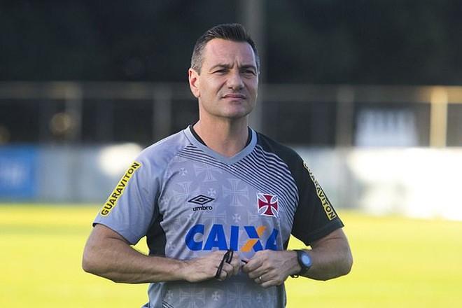 Oex-jogador  somou 15 vitórias, 9 empates e 7 derrotas nesta passagem pela equipe de São Januário.   Paulo Fernandes/Vasco.com.br