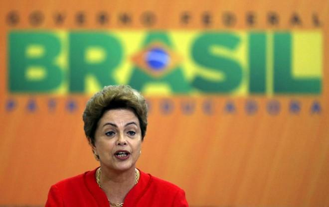 Reprovação a Dilma atinge patamares muito parecidos entre eleitores de diferentes rendas | STRINGER/BRAZIL/REUTERS