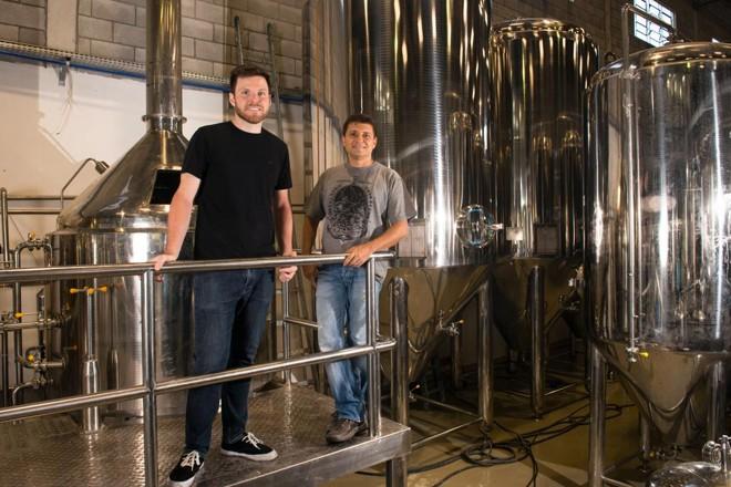 Alejandro Winocur e Alessandro Oliveira, da Way Beer: novo Simples vai focar mais no faturamento. | Lucas Pontes/Gazeta do Povo