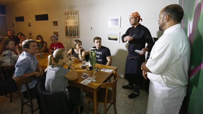 No Amaranta, um espaço para comer e trocar experiências sobre gastronomia, cerveja e a vida. | Daniel Castellano/Gazeta do Povo