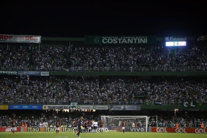 Atletiba registrou público pagante de 30.867. | Albari Rosa/Gazeta do Povo