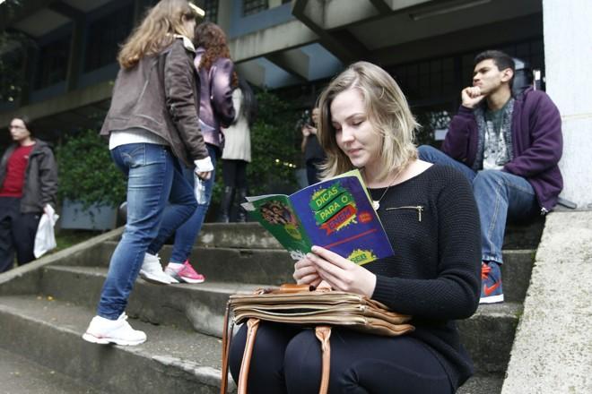 Soliane Huber, 23 anos, quer tentar Jornalismo. | Antonio More/Gazeta do Povo/