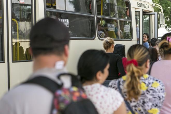 Entre os fatores que levaramà melhoria de vida entre 2000 e 2010, está a mobilidade. Atualmente, porém, o transporte coletivo de Curitiba e municípios vizinhos não é mais integrado. | Marcelo Andrade/Gazeta do Povo