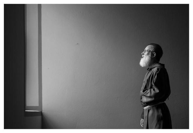 O capuchinho frei Pedro Brondani, criador da Pastoral da Aids, um dos entrevistados da série Perfil 2015, | Jonathan Campos/Gazeta do Povo