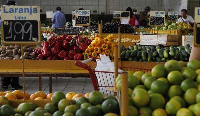 Proximidade com o consumidor tenta abrir espaço para produtos da agricultura familiar. | Jonathan Campos/Gazeta do Povo