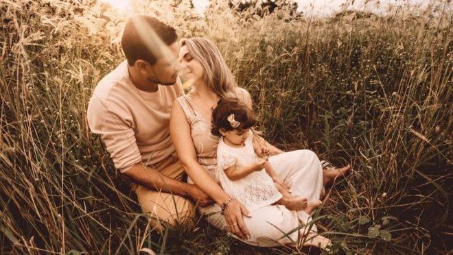 Quando se tem filhos pequenos, o tempo para o casal torna-se coisa rara, mas com vontade, ordem e esforço é possível manter vivo o romance.